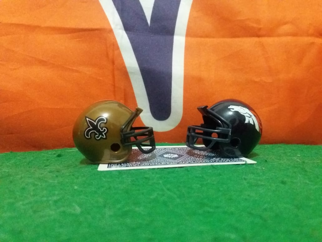Saints at Broncos Cartas na Mesa